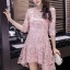ชุดเดรสสวยๆ ตัวชุดผ้าโปร่งเนื้อละเอียด ตัวผ้าเดินเส้นผ้าริบบิ้นสีชมพูโค้งหยักตามแบบ thumbnail 1