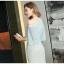 ชุดเดรสยาวสวยหรู ผ้าลูกไม้สีฟ้า เปิดไหล่ มีผ้าระบายปิดต้นแขนและหน้าอก thumbnail 4