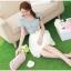 ชุดเดรสสั้น เดรสเสื้อยีนส์สีซีด กระโปรงผ้าไหมแก้ว ปักลายดอกไม้ และเข็มขัดมุกสุดหรู สวยมากๆ thumbnail 5