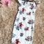 ชุดเดรสสวยๆ ผ้าโพลีเอสเตอร์ผสม พื้นสีขาว พิมพ์ลายดอกไม้โทนสีแดงและน้ำเงิน เปิดไหล่ thumbnail 15