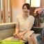เสื้อแฟชั่น Hongkong ผ้าลูกไม้ สีขาว แขนสั้น แต่งระบายลูกไม้ที่หน้าอก แต่งมุกคอวี มีซับในสวยเหมือนแบบครับ สินค้าเกรด A พร้อมส่ง thumbnail 2