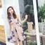 ชุดเดรสออกงาน ผ้าปักริบบิ้นเป็นรูปดอกไม้โทนสีน้ำเงิน และสีชมพูกะปิ แขนกุด thumbnail 10
