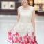 ชุดเดรสแฟชั่น Brand Ai Fei ชุดเดรสแขนกุด ตัวเสื้อผ้าลูกไม้สีครีม กระโปรงปักด้วยด้ายและดิ้นสีขาวและสีชมพูเข้ม พร้อมส่ง thumbnail 1