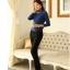 เสื้อแฟชั่น ผ้าคอตตอผสม แขนยาว สีน้ำเงิน แต่งคอเต่าซ้อนหลายชั้น ขอบสีทอง คอเสื้อแต่งด้วยมุกสีขาว thumbnail 10