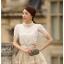 เสื้อผ้าลูกไม้ แฟชั่นเกาหลี เนื้อนิ่ม ยืดหยุ่นได้สีขาว คอเสื้อแต่งด้วยมุกและคริสตรัลใส่ สวยมากๆ เลยครับ พร้อมส่ง thumbnail 1