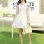 ชุดเดรสเกาหลี เดรสตัวเสื้อผ้าลูกไม้ เนื้อนิ่ม ยืดหยุ่นได้ดี สีขาว เนื้อเงาระยิบ แต่งโบว์ใหญ่ที่ไหล่ thumbnail 3