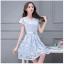 ชุดเดรสน่ารัก ผ้าลายใบไม้สีฟ้า เนื้อผ้าเงาสวย ตามเส้นใยของผ้า thumbnail 4