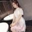 ชุดเดรสสวยๆ ตัวเสื้อผ้าลูกไม้ชนิดเนื้อนิ่ม ยืดหยุ่นได้ดี สีขาว คอจีน แขนสั้น thumbnail 5