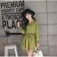 ชุดเดรสแฟชั่น ผ้าโพลีเอสเตอร์ สีเขียว (เนื้อผ้าคล้ายชีฟอง แต่หนากว่าชีฟอง) thumbnail 5