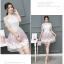ชุดเดรสสวยๆ ตัวเสื้อผ้าลูกไม้ชนิดเนื้อนิ่ม ยืดหยุ่นได้ดี สีขาว คอจีน แขนสั้น thumbnail 4