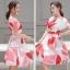 ชุดเดรสสั้นน่ารัก ผ้าซาตินพื้นสีขาว ลายใบไม้โทนสี แดง โอรส และเทา thumbnail 2