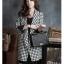 เสื้อโค้ทเกาหลี ตัวยาว ลายสก๊อตขาวดำ แขนยาว มีกระดุมช่วงเอว มีกระเป๋าเสื้อ คุณภาพดีคุ้มเกินราคา thumbnail 2