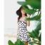ชุดว่ายน้ำวันพีช สายเดี่ยว สีขาว ลายดอกไม้สีดำ น่ารักมากๆ ข้างในเป็นกางเกงขาสั้น thumbnail 3