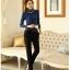 เสื้อแฟชั่น ผ้าคอตตอผสม แขนยาว สีน้ำเงิน แต่งคอเต่าซ้อนหลายชั้น ขอบสีทอง คอเสื้อแต่งด้วยมุกสีขาว thumbnail 9