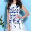 ชุดเดรสออกงาน ชุดเดรสผ้าไหมแก้ว สีขาว ปักลายดอกไม้สีน้ำเงิน สวยมากมายครับ แขนกุด ซับในด้วยผ้าซาตินสีขาว thumbnail 7