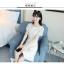 ชุดเดรสสีขาว ตัวเสื้อผ้ารูปดอกกุหลาบสามมิติ ลายนูนออกมาจากตัวชุดสีขาว thumbnail 7