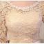 ชุดเดรสออกงาน สุดหรู ตัวเสื้อชุดเป็นผ้าไหมสีครีม เย็บซ้อนด้านนอกด้วยผ้าถักโครเชต์ thumbnail 7