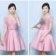 ชุดราตรีสั้น ใส่ออกงานสุดหรู ตัวชุดเป็นผ้าไหมสีชมพูเข้ม ดีไซน์คอกลม thumbnail 2
