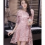 ชุดเดรสสวยๆ ตัวชุดผ้าโปร่งเนื้อละเอียด ตัวผ้าเดินเส้นผ้าริบบิ้นสีชมพูโค้งหยักตามแบบ thumbnail 2