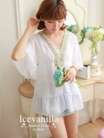 IceVanilla Jewel Stitching Blouse