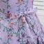 เดรสสีม่วง พิมพ์ลายดอกไม้ พร้อมผ้าผูกโบว์ที่เอวด้านหลัง thumbnail 6