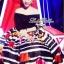 Lady Ribbon ชุดเซ็ทเสื้อเปิดไหล่สีดำ กระโปรงทรงสุ่ม ลายขวางดอกกุหลาบ thumbnail 1