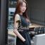 Seoul Secret จั๊มสูทผ้าชีฟองขาสั้น สีดำ แต่งเลื่อมที่แขน thumbnail 5