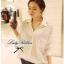 Lady Ribbon Lace Shirt เสื้อเชิ้ตแขนยาว ไหล่ลูกไม้ฉลุดอกไม้ ขาว/ดำ thumbnail 6