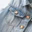 เสื้อกั๊กยีนส์สีฟ้า กระดุมหน้า กระเป๋าหน้า แต่งรอยขาดที่เสื้อ thumbnail 5
