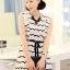 Cherry KOKO เดรสผ้าชีฟอง สีขาวพิมพ์ลายริ้วดำ พร้อมโบว์ thumbnail 5