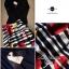 Lady Ribbon ชุดเซ็ทเสื้อเปิดไหล่สีดำ กระโปรงทรงสุ่ม ลายขวางดอกกุหลาบ thumbnail 12