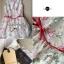 Lady Ribbon เดรสแขนกุดลายดอกไม้สุดหวาน แต่งโบว์แดง thumbnail 12