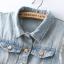 เสื้อกั๊กยีนส์สีฟ้า กระดุมหน้า กระเป๋าหน้า แต่งรอยขาดที่เสื้อ thumbnail 4