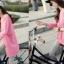 เสื้อยืดตัวยาว สีชมพูหวาน แต่งซิปด้านข้าง ชายเสื้อด้านหน้าสั้น ด้านหลังยาว thumbnail 9