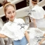 Lady Ribbon เสื้อเชิ้ตลูกไม้ขาว ทรงคลุมไหล่ thumbnail 8