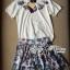 Lady Ribbon ชุดเซ็ทเสื้อยืดปักลายและกระโปรงพิมพ์ลายดอกไม้ thumbnail 10