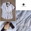 Lady Ribbon เสื้อเชิ้ตลูกไม้ขาว ทรงคลุมไหล่ thumbnail 11