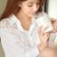 Seoul Secret เสื้อเชิ้ตตัวยาว ผ้าคอตตอนตัดต่อผ้าลูกไม้สีขาว thumbnail 3