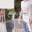 Lady Ribbon เสื้อยืดปักดอกคามิลเลียแต่งมุก thumbnail 3
