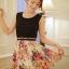 เดรสผ้ายืดสีดำ กระโปรงตัดต่อผ้าชีฟองอัดพลีท พิมพ์ลายดอกไม้ thumbnail 2