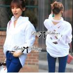 Lady Ribbon Shirt เสื้อเชิ้ตสีขาว ตัดแต่งผ้าถักช่วงหลังสุดเซ็กซี่