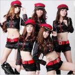 ชุดตำรวจแฟนซี สุดเซ็กซี่ เสื้อตัวสั้นความยาวใต้อกแขนยาว สีดำแต่งแถบสีแดง พร้อมกางเกงขาสั้นและเข็มขัด