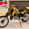 TA14013 Suzuki RM250 Motocrosser Kit 1/12
