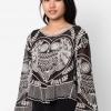เสื้อเบลาส์ Owl Embroidered