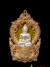 พระพุทธสิหิงค์ รุ่นสิหิงค์55 เนื้อบรอนด์องค์เงินลวพื้นทอง สร้างโดย จังหวัดนครศรีธรรมราช เหรียญปราณีต สวยงาม มาก