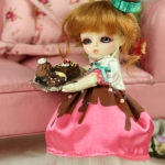 Honee-B, Chocolate Dolly