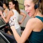 การฟังเพลงไปพร้อมกับการออกกำลังกาย และวิธีการการเลือกหูฟังให้เหมาะสมกับการออกกำลังกาย