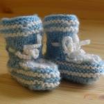 การใส่ถุงมือถุงเท้าในเด็กแรกเกิด มีความสำคัญอย่างไร?