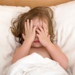 คุณเคยหลอกเด็กให้กลัวหรือไม่ รู้ไหมว่ามีผลกระทบต่อเด็กเรื่องพัฒนาการ