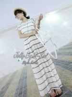 Maxi Dress เดรสยาวผ้าชีฟอง พิมพ์ลายขวาง สีน้ำเงิน สีขาว
